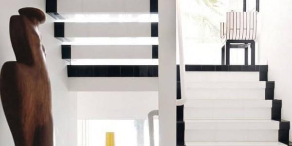 Stairway_to_Heavon_Painted_Black&White