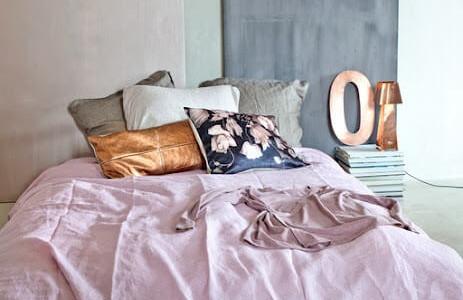 droomslaapkamer_kleuren_combinatie_roze_grijs_koper