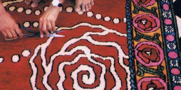 rosalisa_carpets_secret_roses_red_making