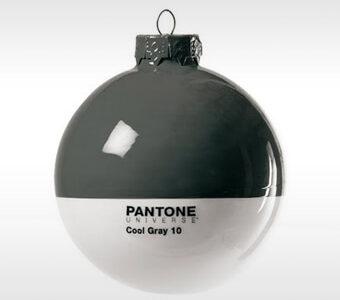 xmas_design_kerstbal_pantone-_cool_grey